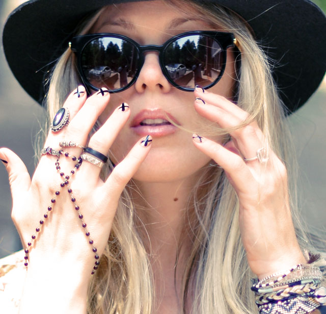 hat+sunglasses+ accessories+  nails