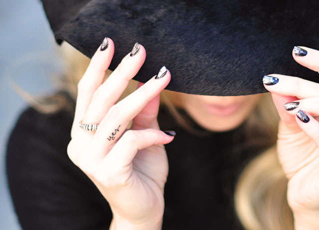 holiday nails-hat-finger tattoo