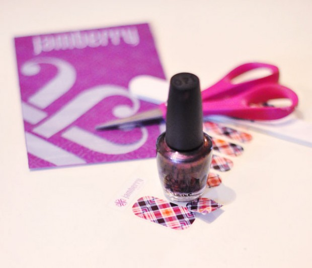 jamberry plaid accent nails-nail art manicure