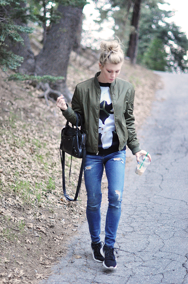 jeans_sneakers_flight jacket