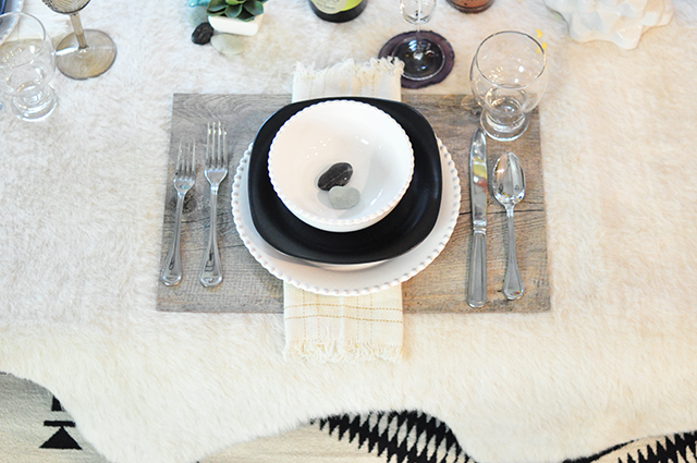 layered textures table setting_black and ivory