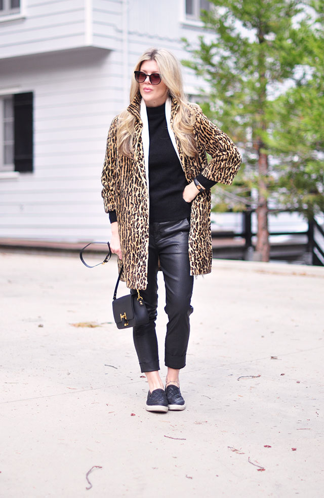 leopard coat+ quilted sneakers+black on black