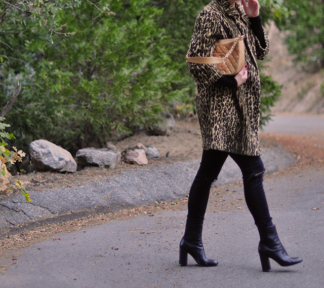 leopard-coat_black-jeans_chanel-bag