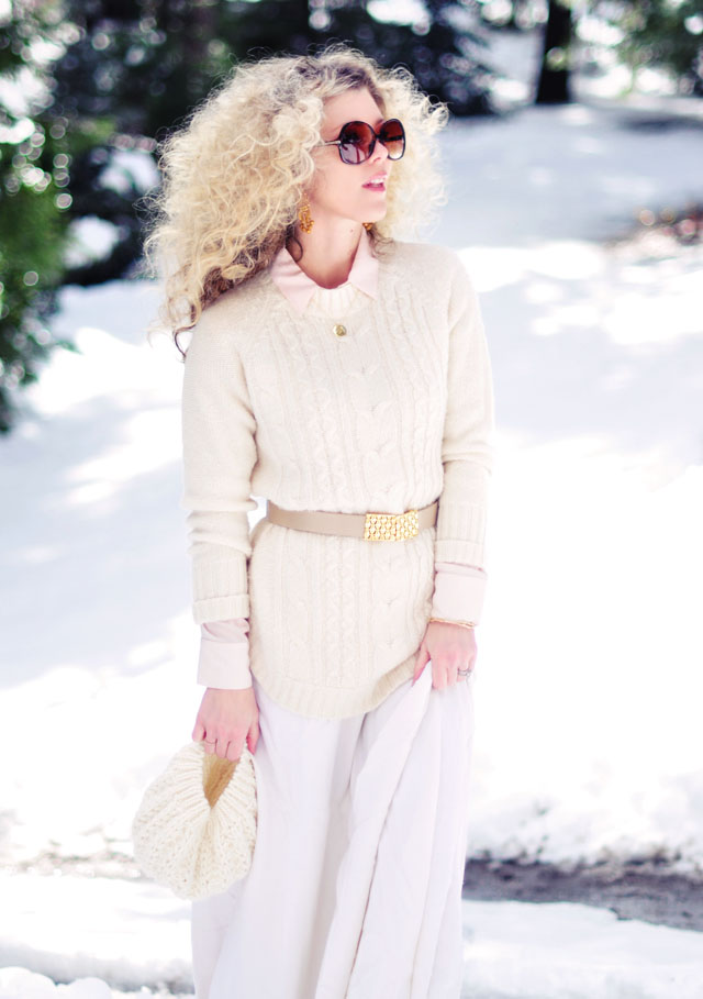 light neutral outfit -  gold accessories-blonde afro-big hair