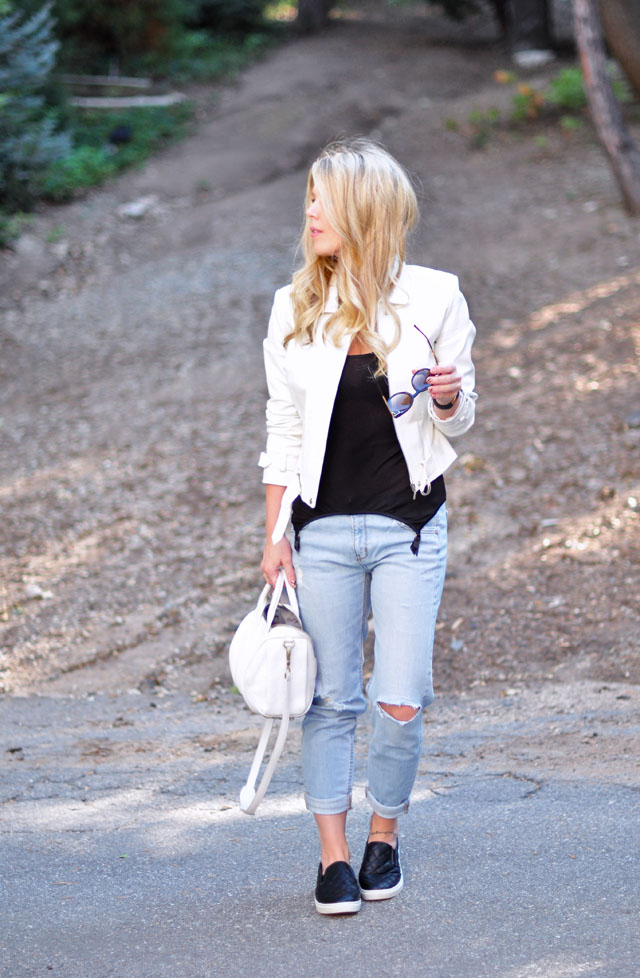 light wash ripped jeans+white leather jacket