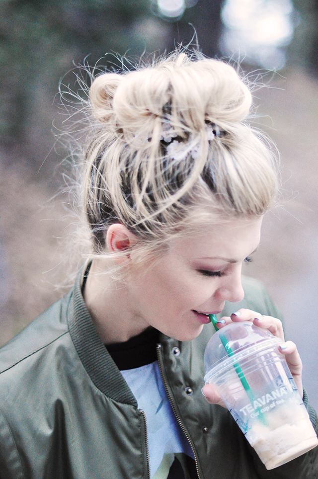 messy bun_hair flowers