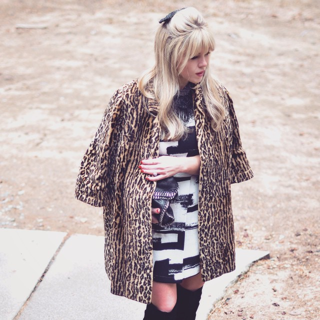 mixed prints_leopard with black and white_60s style