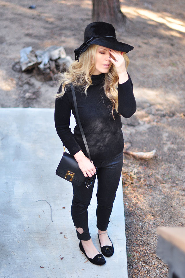 modern 60s style - black on black outfit with flats