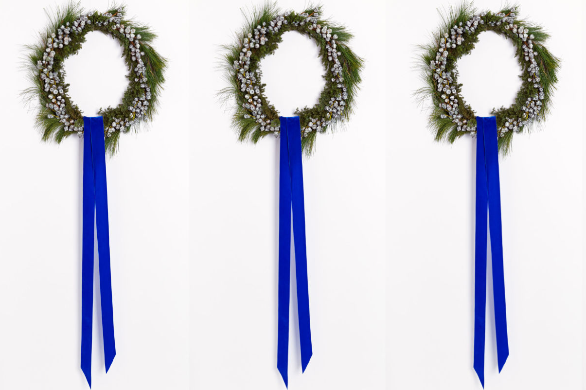 modern minimal wreath_blue velvet ribbon_1