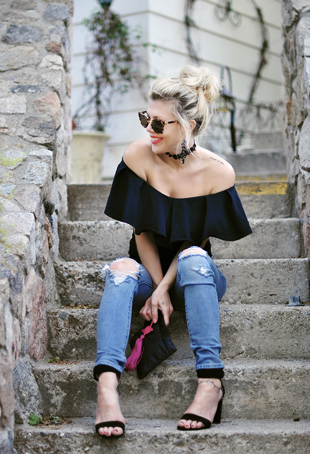 off the shoulder ruffle top_jeans