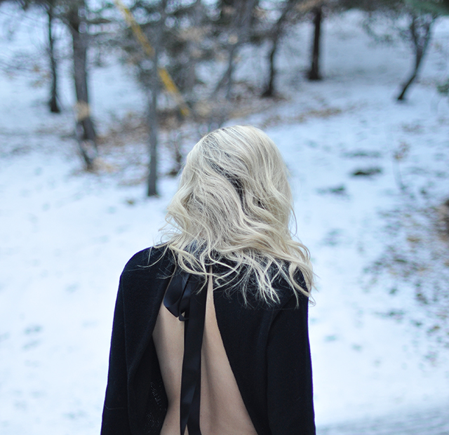 open-back-sweater-in-the-snow