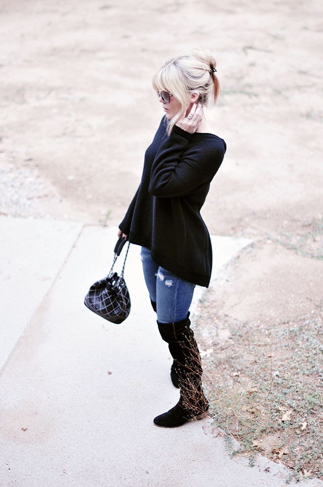 open back sweater_jeans_boots