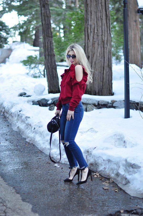 open shoulder ruffle sweatshirt_jeans