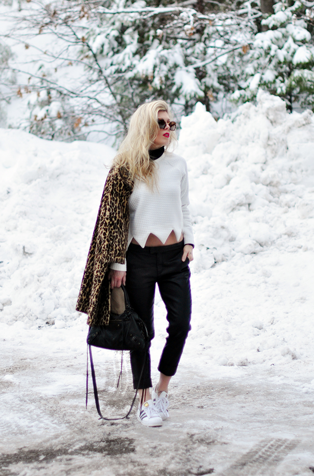 outfit in the snow_black_white_leopard print_adidas superstars