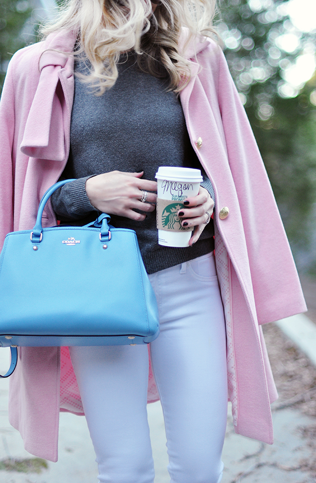 pantone colors 2016_blue bag_pink coat_white jeans