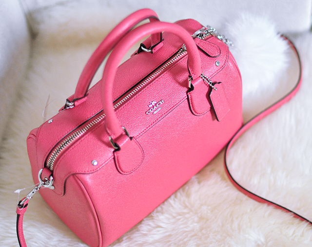 pink coach bag - LV speedy style