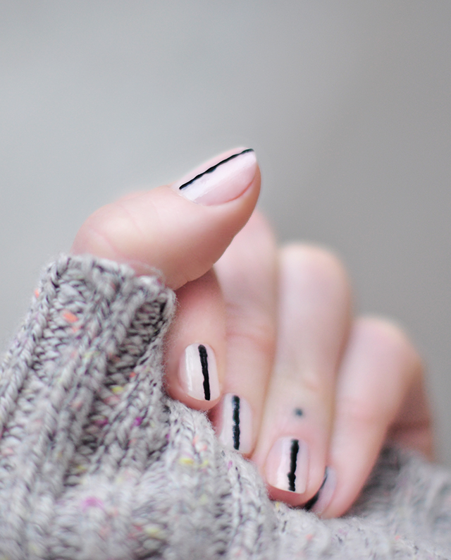 pink-nails-with-black-stripes