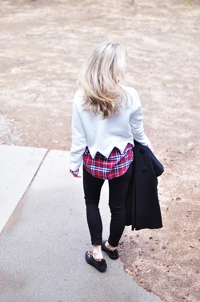 plaid flannel_blonde hair_black skinnies