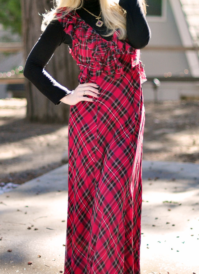 plaid maxi dress with turtleneck-70s inspired