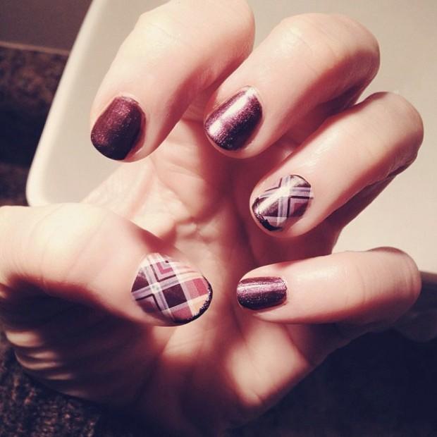 plum plaid nails