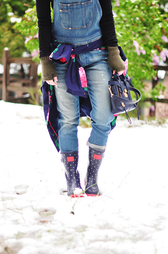 polka dot rain boots in the snow _joules
