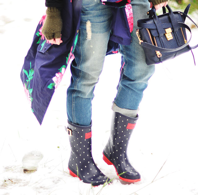 polka dot rainboots in the snow_overalls_pashli mini bag