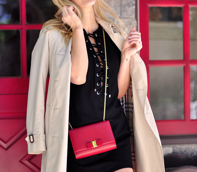 red door_classic trench_lace up dress