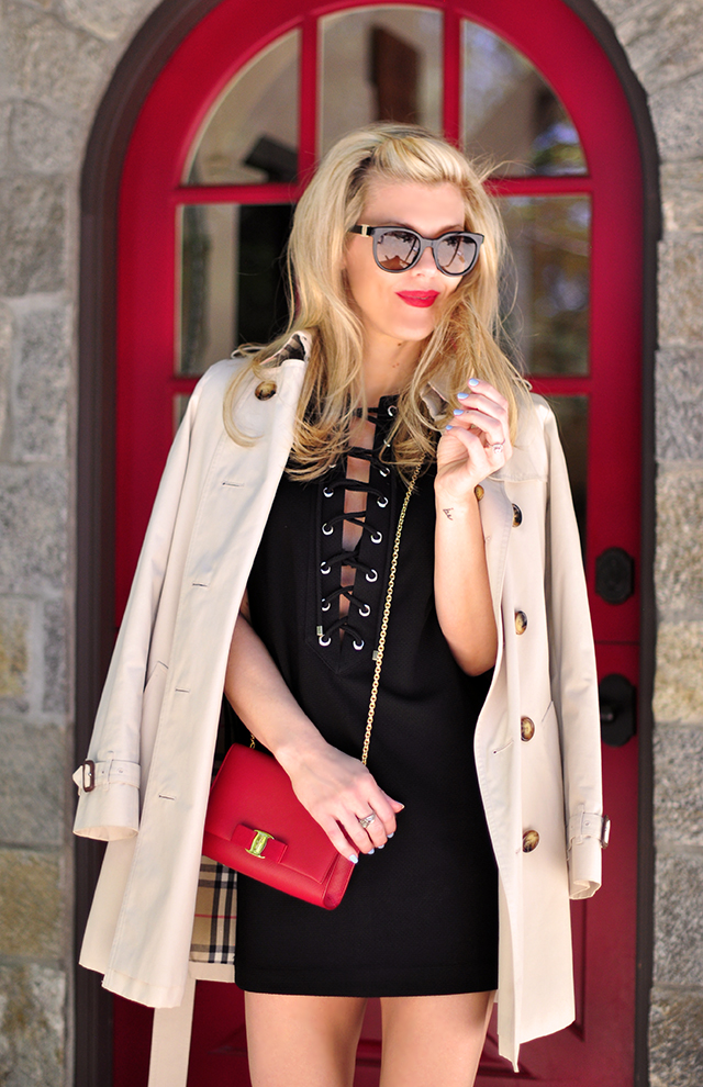 red door_red lips_lace up dress_burberry trench