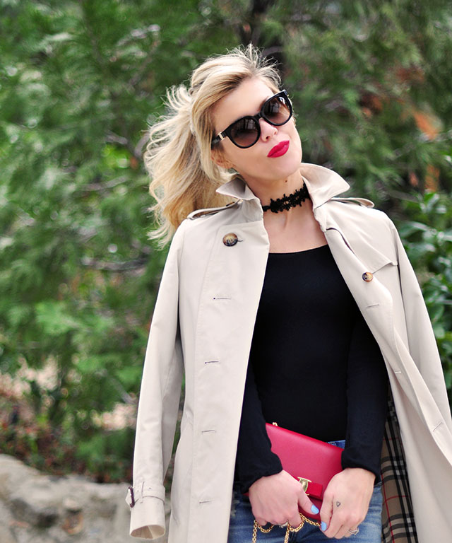 red lips_ponytaile_burberry trench