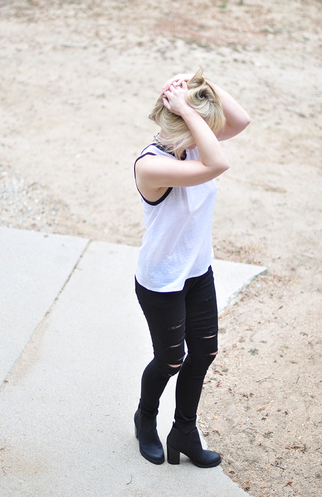 ribbed jeans_white tank