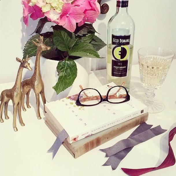 ribbons as bookmarks-ecco domani wine