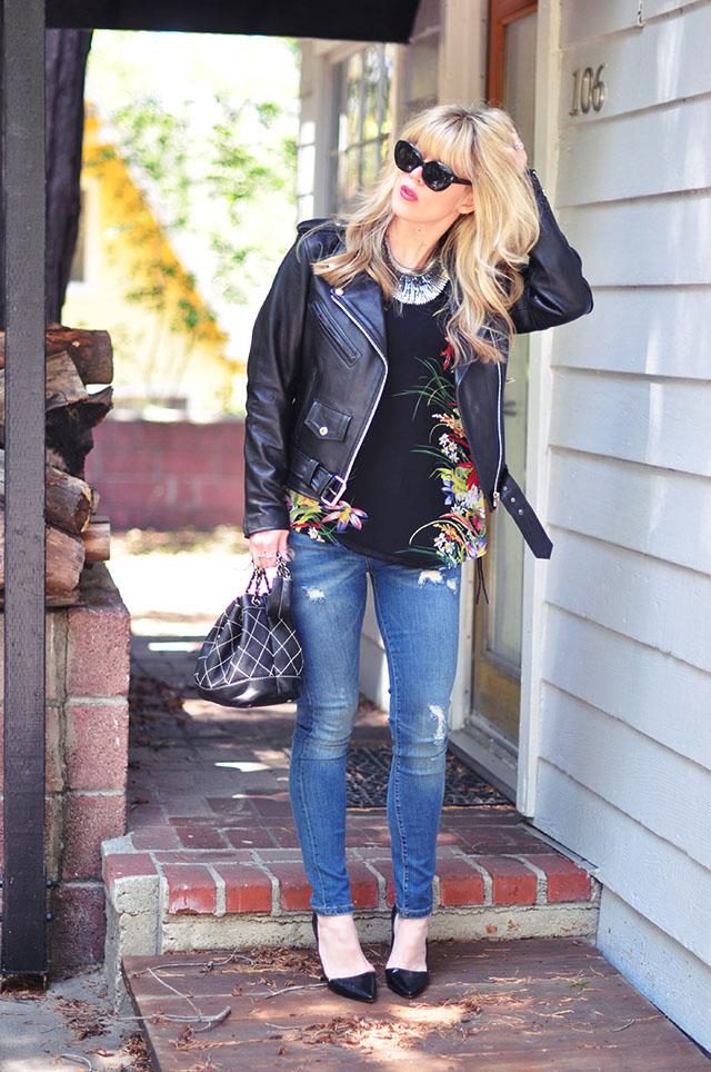 ripped skinny jeans _ pumps_ classic biker jacket
