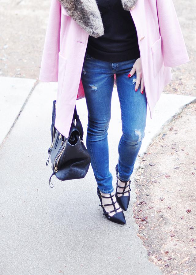 ripped skinny jeans_pink coat_phillip lim bag_tory burch pumps