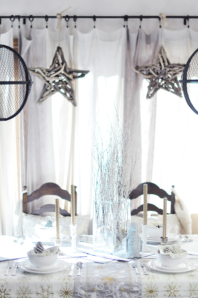 rustic glam holiday table and decor