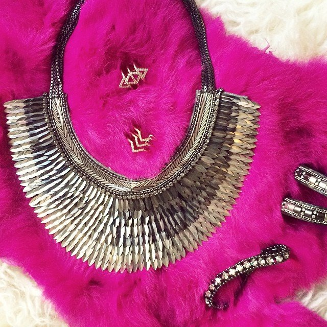 silver necklace-pegasus stella and dot necklace