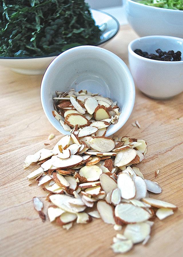 slivered almonds_salad recipe