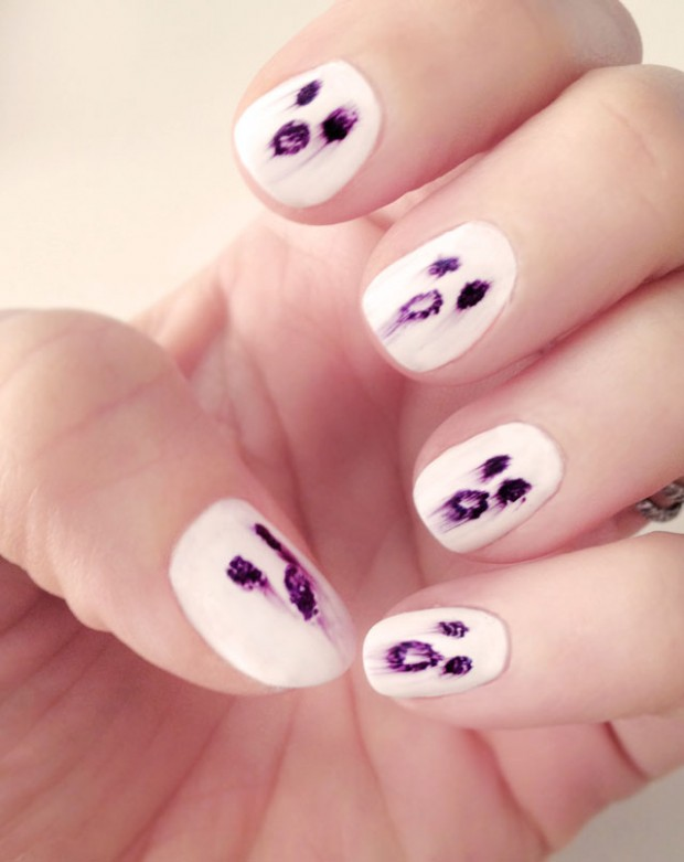 spooky ghost nails halloween