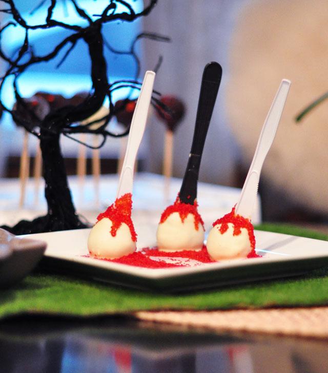 spookyhalloween desserts -cake pops
