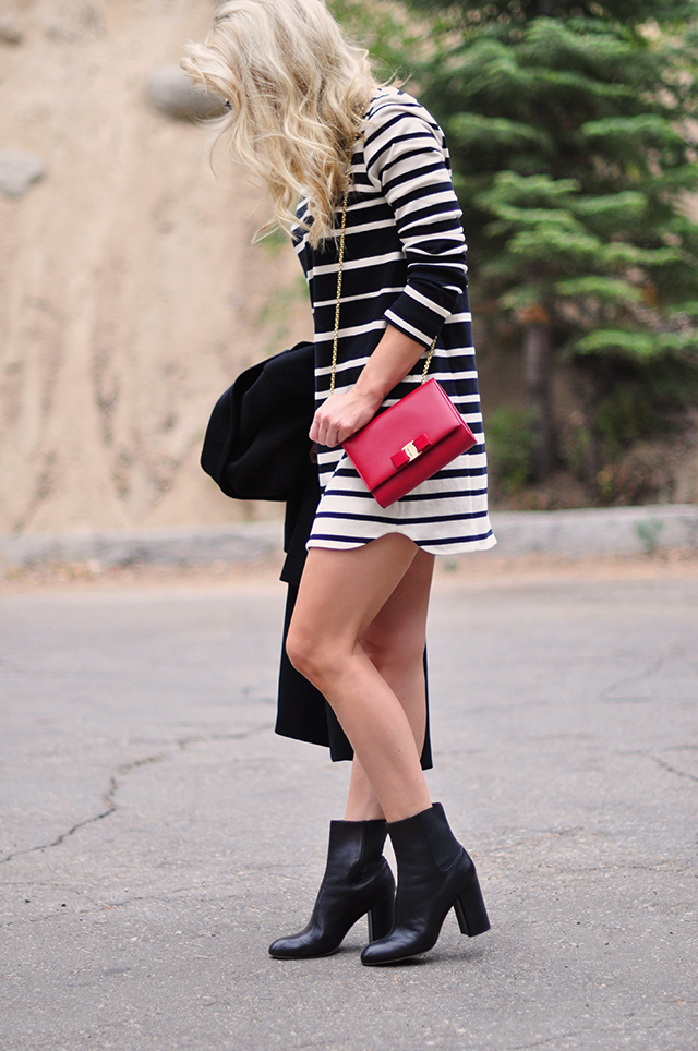striped-shift-dress_black-white-and-red