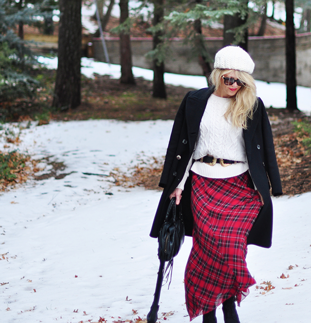 style-in-the-snow_plaid-maxi_belted-sweater