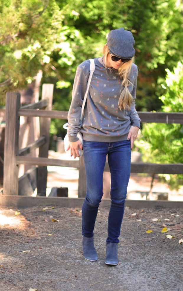 sweatshirt style-newsboy cap-skinny jeans