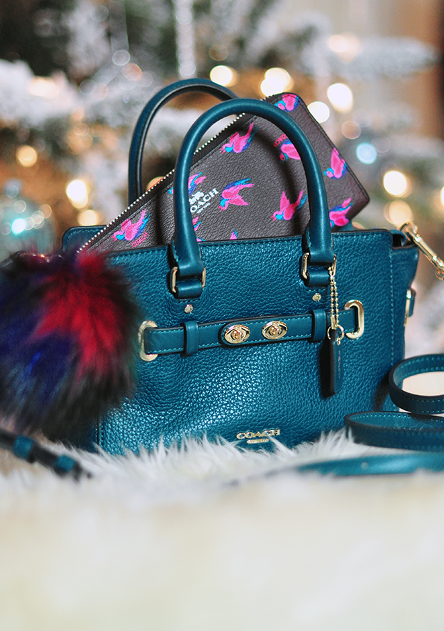 teal-coach-bag-with-coach-wallet-and-fur-charm
