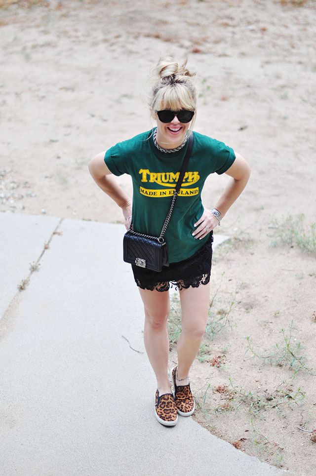 vintage t-shirt and lace skirt