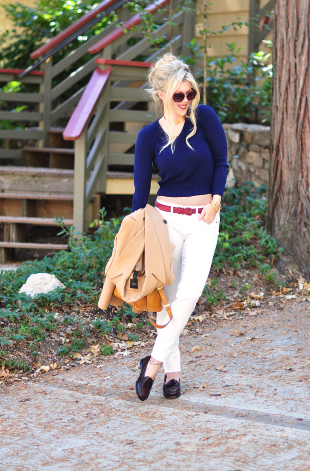 white jeans+fall colors