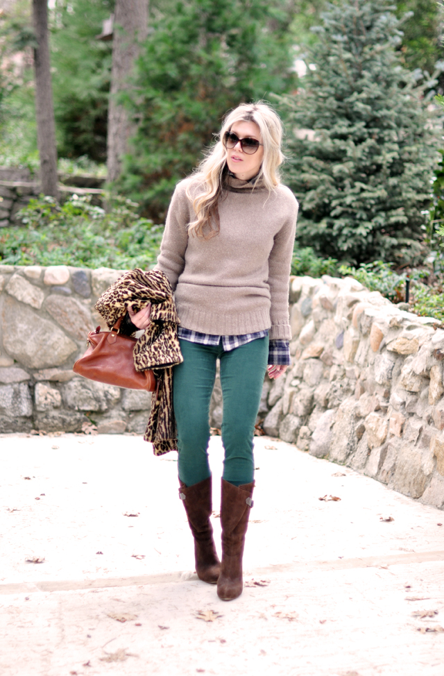winter outfit - green pants-sweater-boots