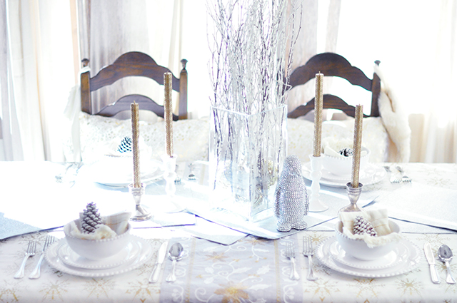 winter tablescape for the holidays